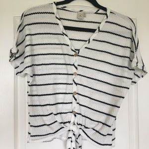 Black and white stripped v-neck waffle knit top